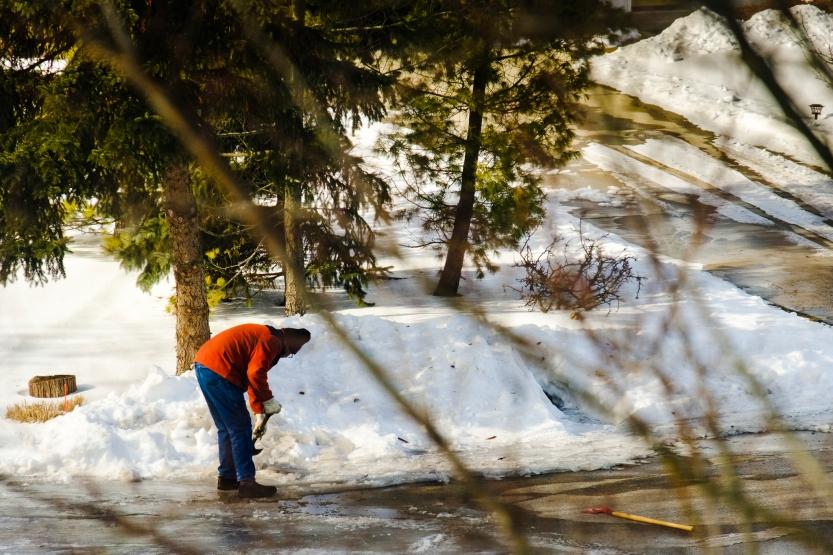 shoveling ice-2